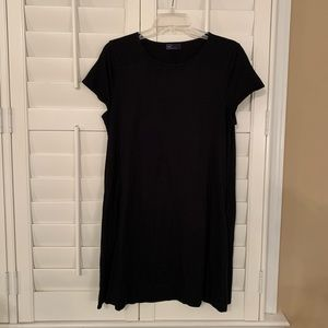 Black t-shirt dress, WITH POCKETS.